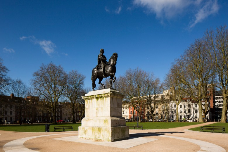 Queen-Square_CREDIT_Visit-England