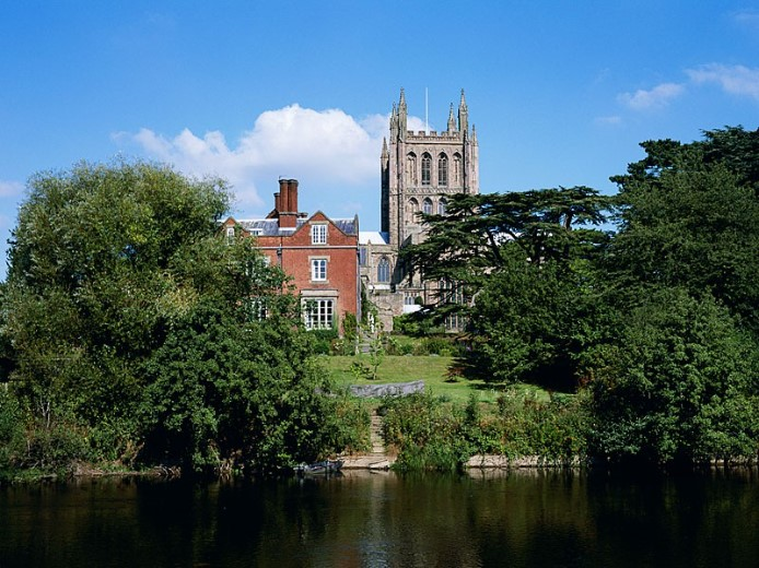 Hereford-Cathedral-across-the-River-Wye