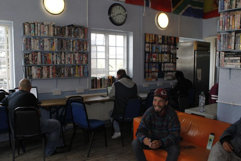 London-Backpackers-Common-Room-3