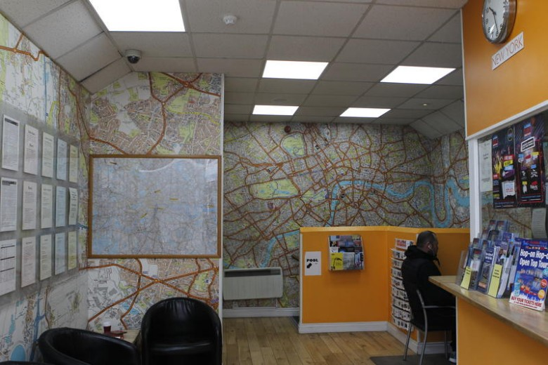 London-Backpackers-Common-Room